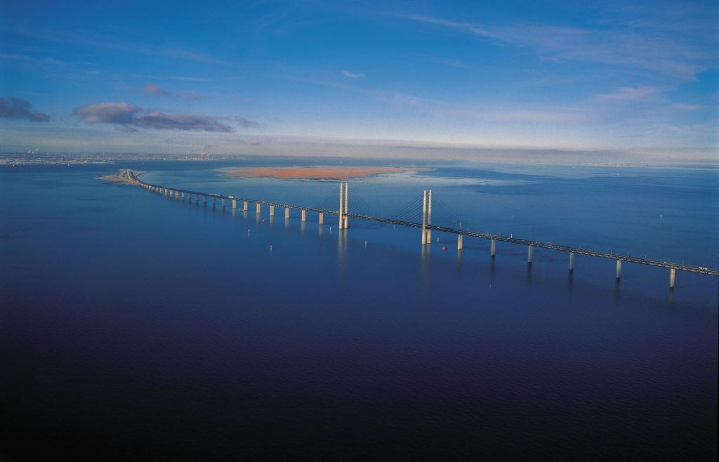 jembatan oresund atas laut