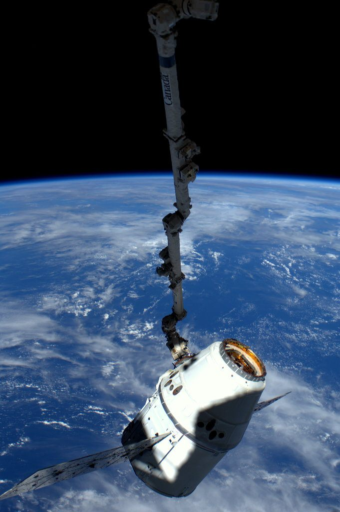Space X Dragon ISS