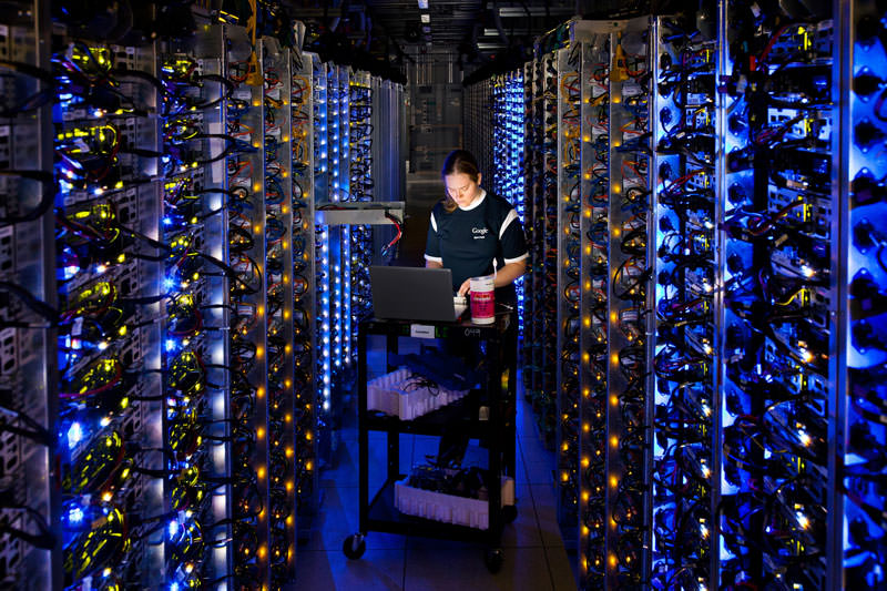 google data center engineer at dalles oregon