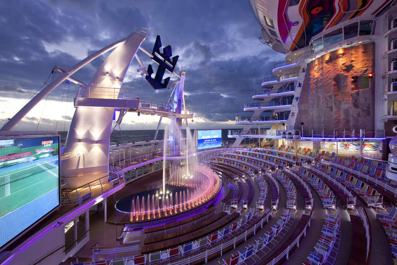 aquatheater kapal pesiar terbesar di dunia allure of the seas