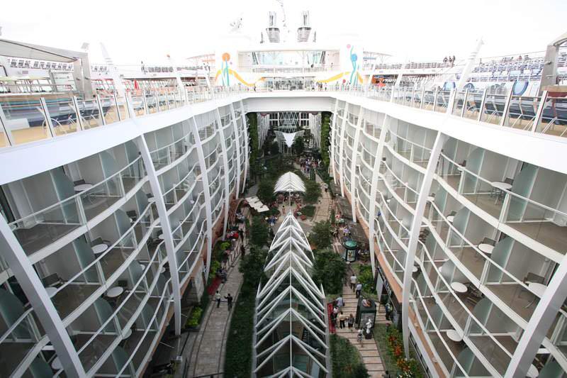 kapal pesiar terbesar di dunia allure of the seas 2