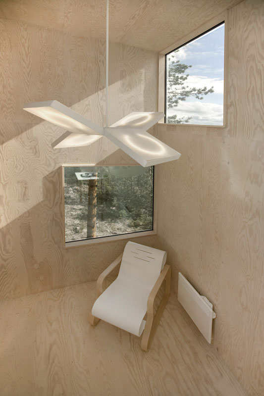 mirror cube hotel pohon swedia 2