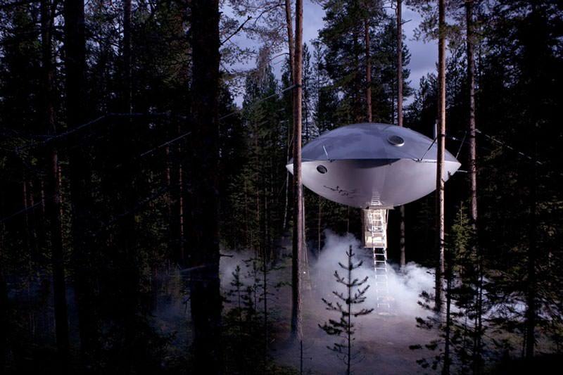 hotel pohon swedia ufo room