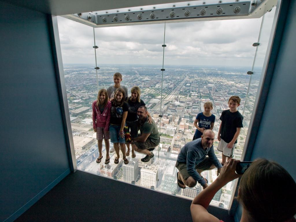Transparent Balcony of floor 103 in Chicago 3
