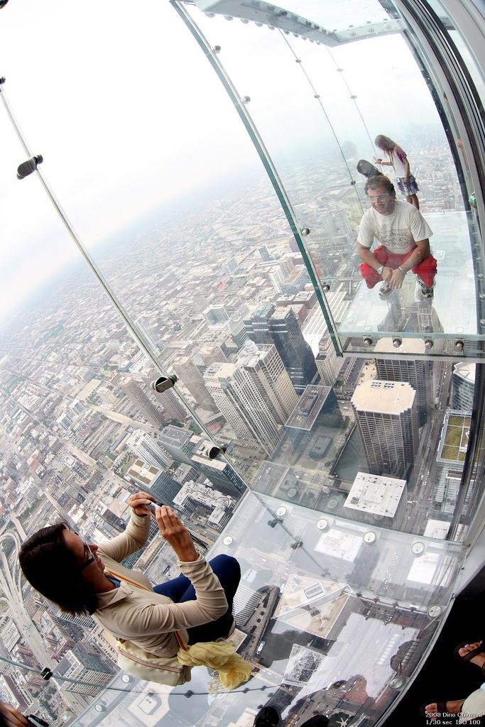 Transparent Balcony of floor 103 in Chicago 5