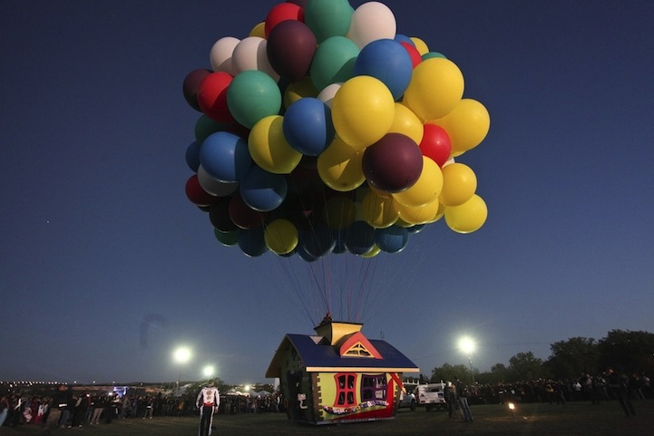 jonathan trappe baloon house flying 8