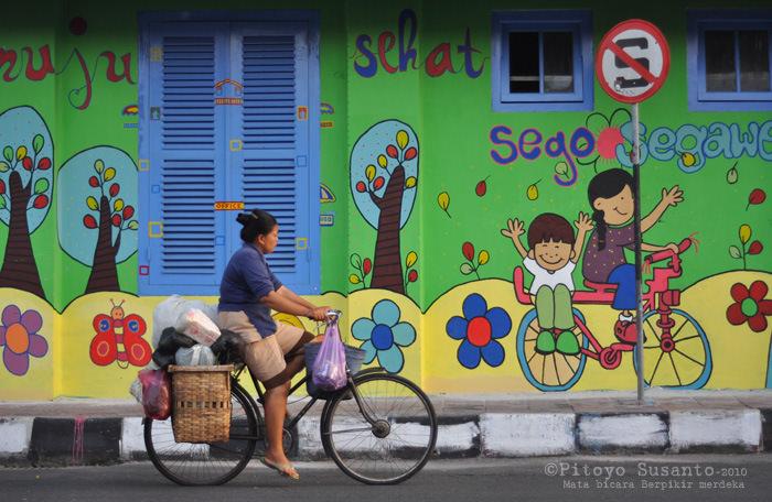 Seni mural jogja wujud kebersamaan dan kepedulian melalui for Mural yogyakarta