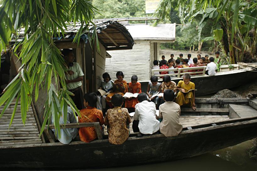 sekolah di atas perahu 5
