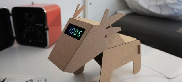 Produk-Produk Kreatif dengan Menggunakan Selembar Kertas Karton Daur Ulang