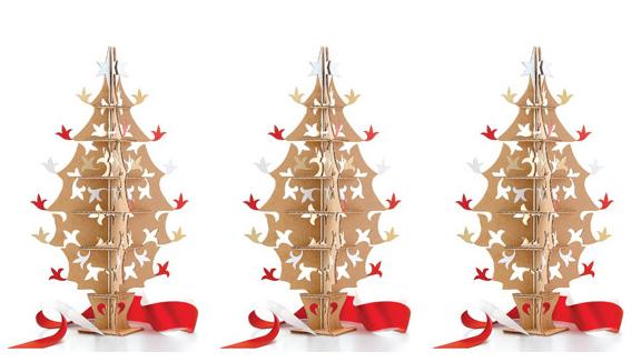 pohon natal kardus bekas 2