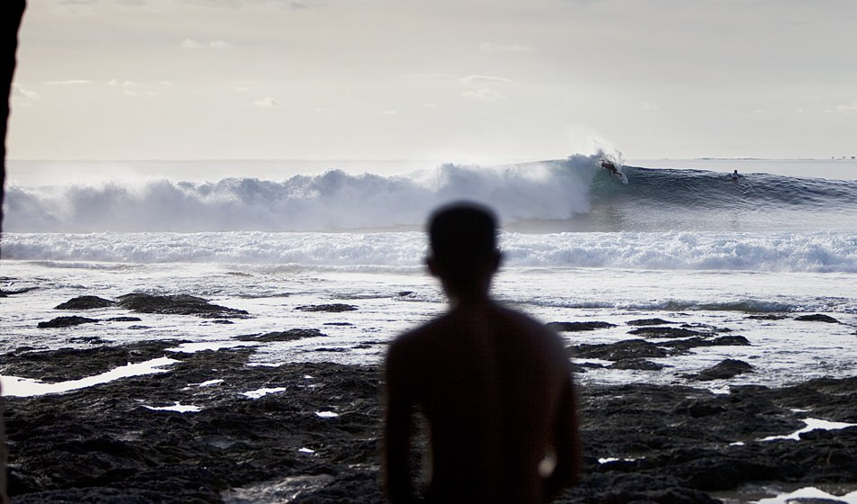 Surfing Mentawai 10