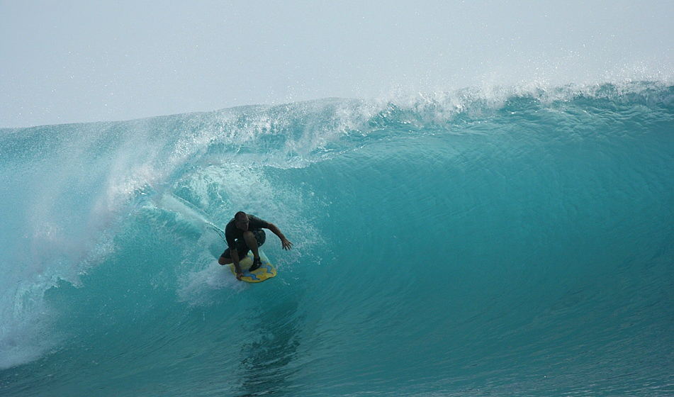 Surfing Mentawai 7