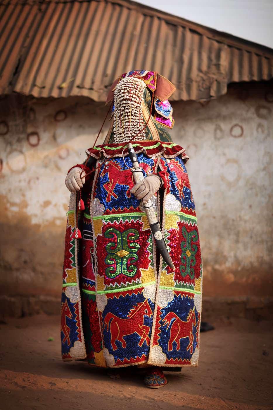 egungun dancer quidah 10