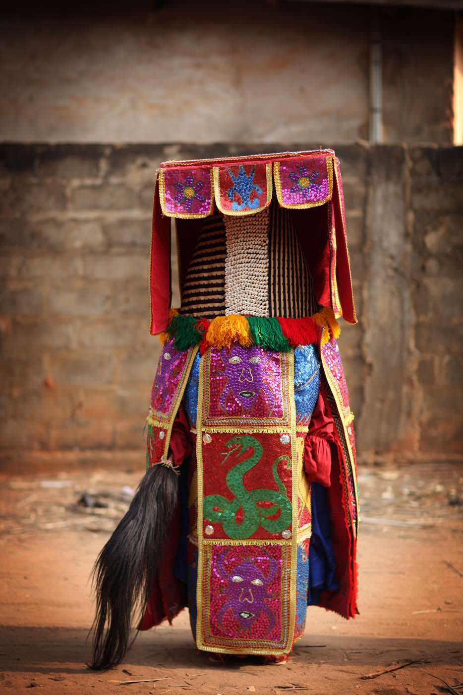 egungun dancer quidah 11
