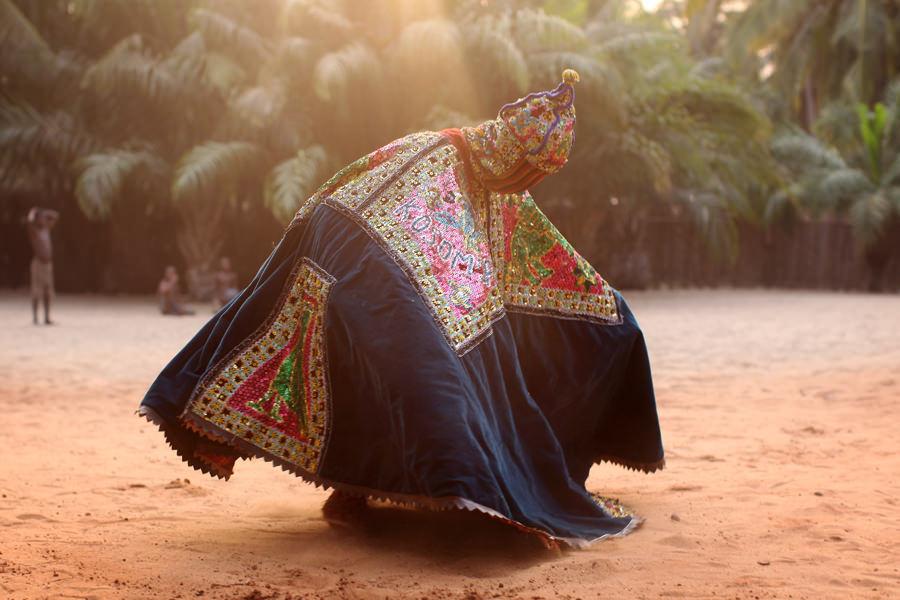 egungun dancer quidah 8