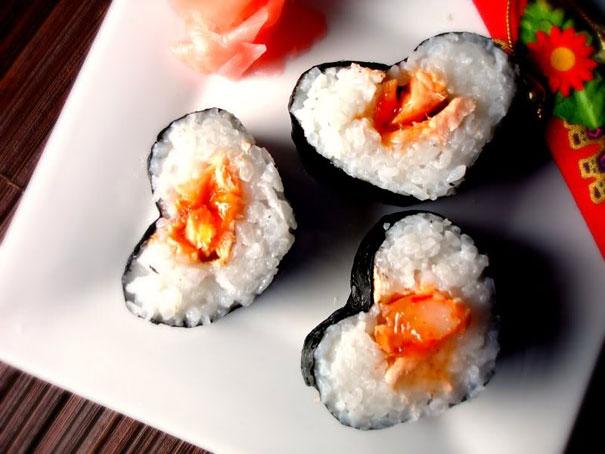 Sushi Hati oleh Newlywedcooking