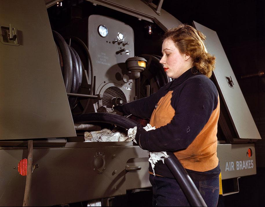 Wanita dalam Perang Dunia II - 03