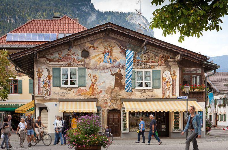 Kota garmisch partenkirchen, kota indah di pegunungan alpen
