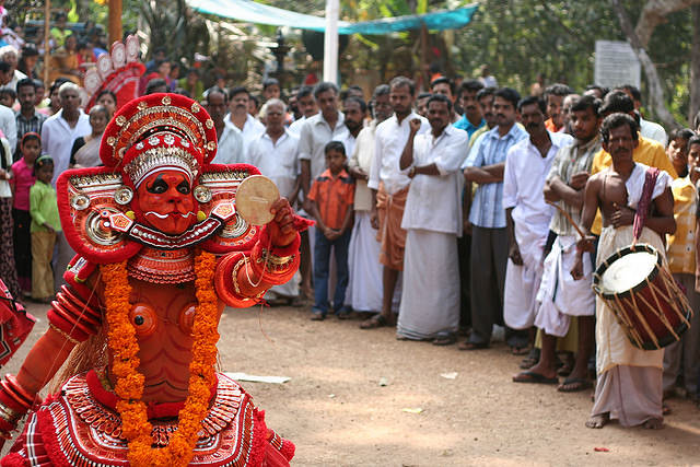 theyyam dance tarian tradisional india 7