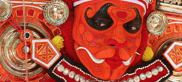 Theyyam, Keindahan Ritual Tradisional India dalam Gerak Tarian dan Kostum