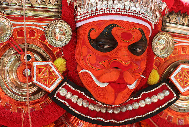 theyyam dance tarian tradisional india 9