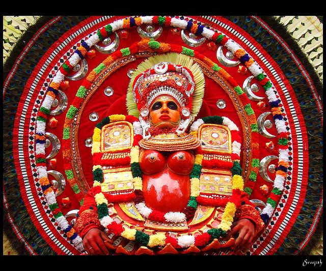 theyyam dance tarian tradisional india 11