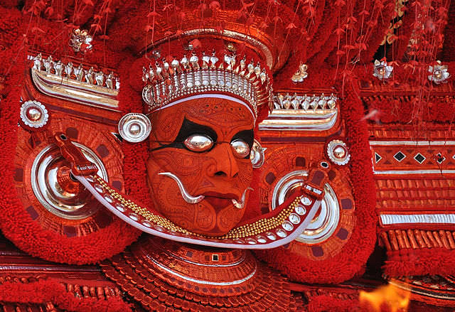 theyyam dance tarian tradisional india
