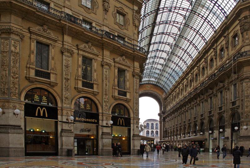 02_McDonalds-at-Galleria-Vittoria-Emanuele-in-Milan-Italy