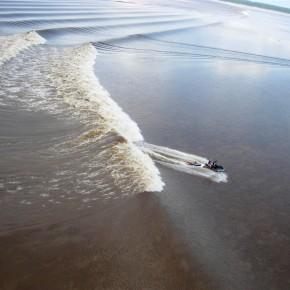 gelombang sungai bono selancar 3