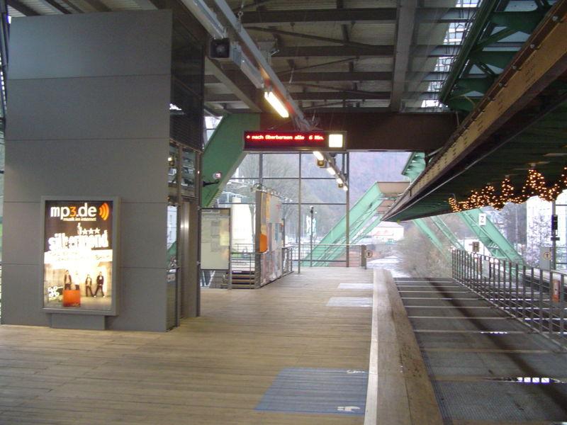stasiun kereta gantung jerman