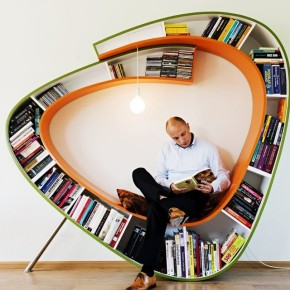 desain lemari buku kreatif bookworm 1