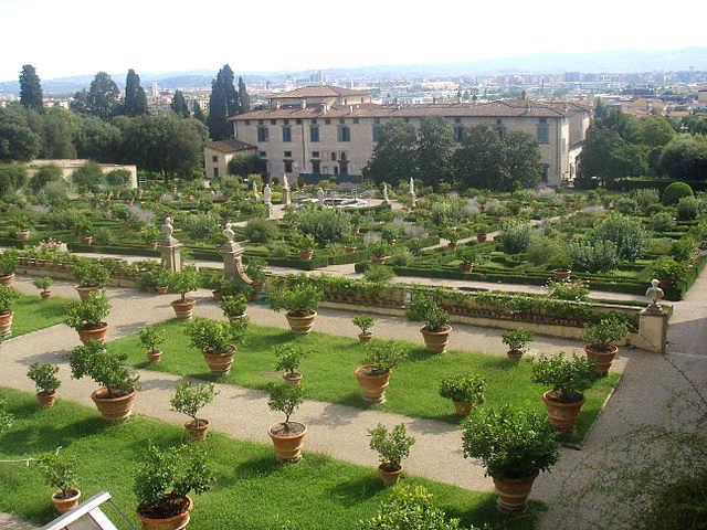 situs warisan dunia medici villas and gardens in tuscany 1