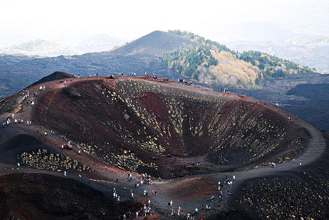 situs warisan dunia unesco gunung etna italia 1