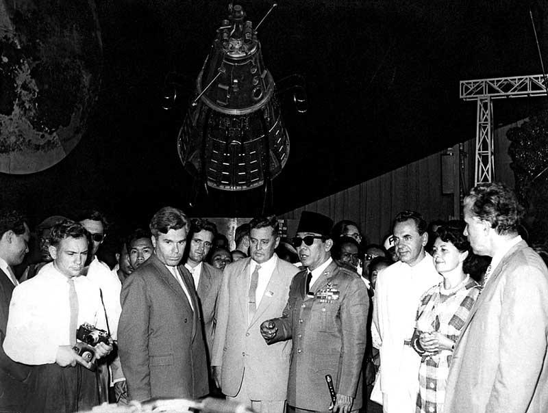 soekarno kunjungan uni soviet 1