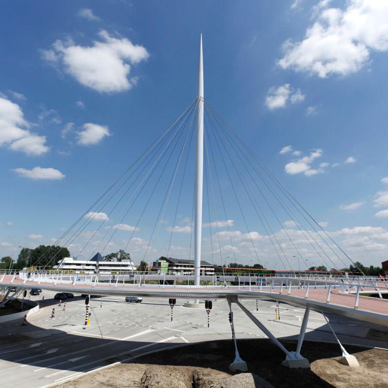 jembatan sepeda hovenring belanda 11
