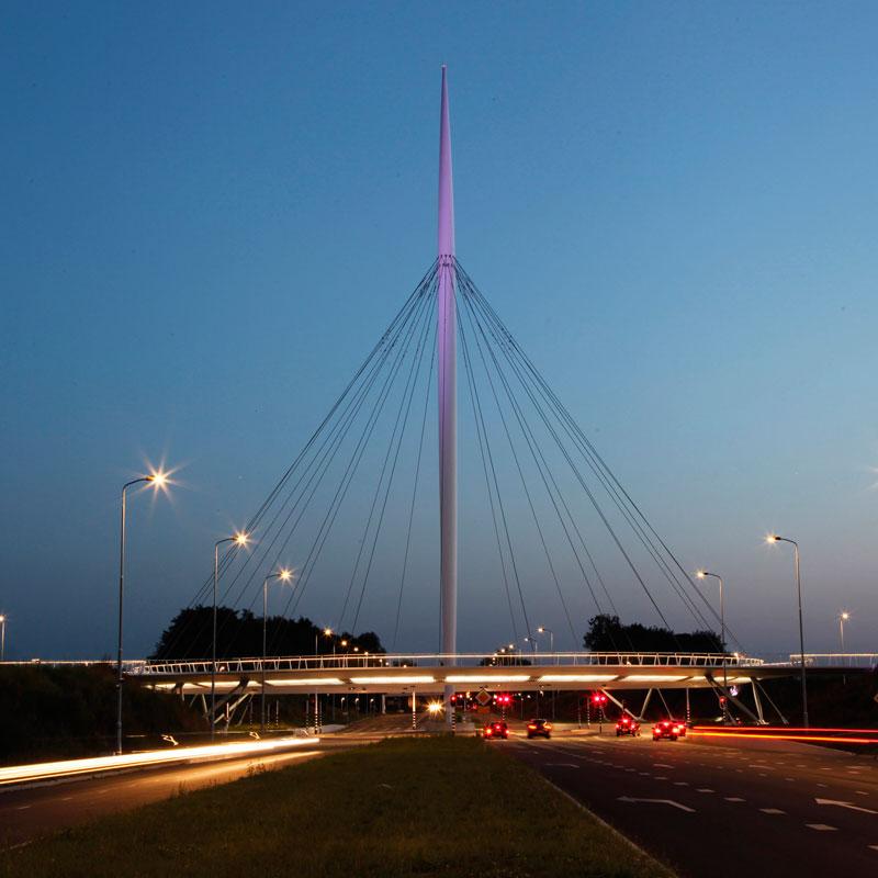 jembatan sepeda hovenring belanda 7