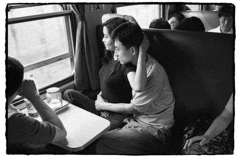 Potret Kemiskinan Warga China Diatas Kereta Api_1