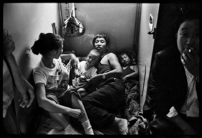 Potret Kemiskinan Warga China Diatas Kereta Api_14