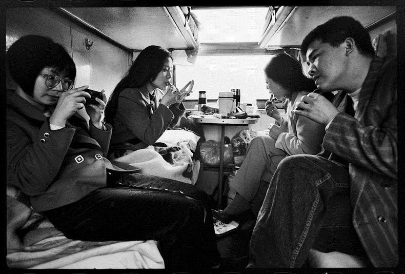 Potret Kemiskinan Warga China Diatas Kereta Api_21