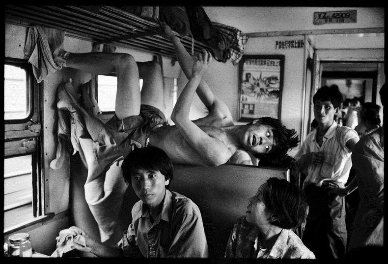 Potret Kemiskinan Warga China Diatas Kereta Api_6