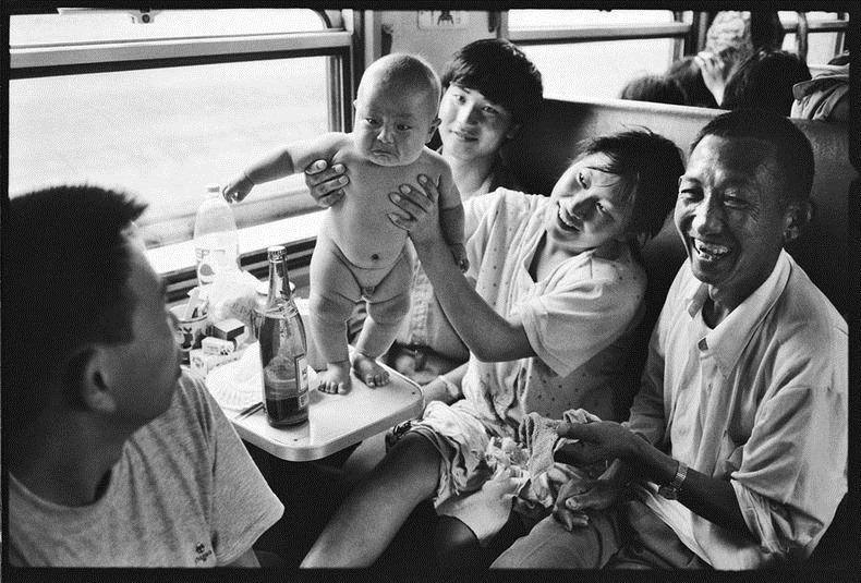 Potret Kemiskinan Warga China Diatas Kereta Api_8