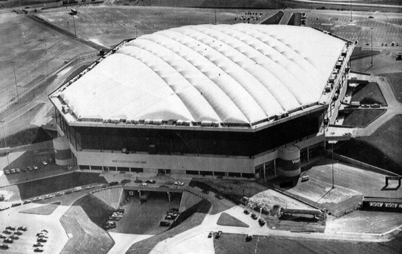 Jejak-Sejarah-Stadion-Pontiac-Silverdome-cover