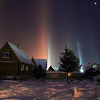 Light Pillar - Keindahan Fenomena Cahaya Penyangga Langit
