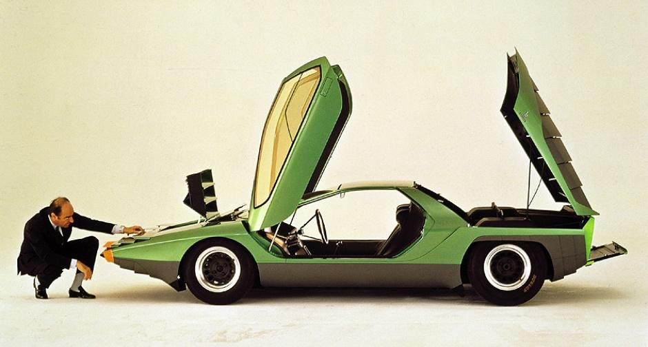 alfa romeo carabo retro classic car 01