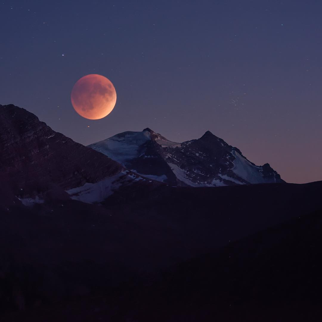 foto gerhana bulan merah supermoon