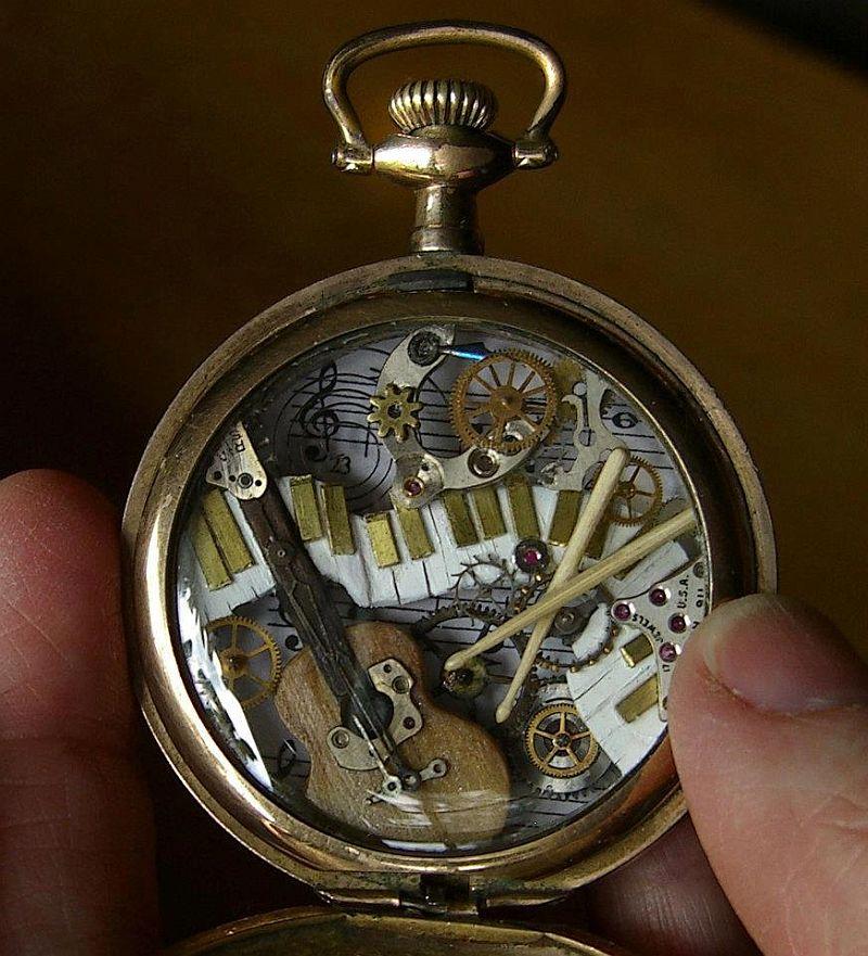 kreasi dari komponen jam bekas 08